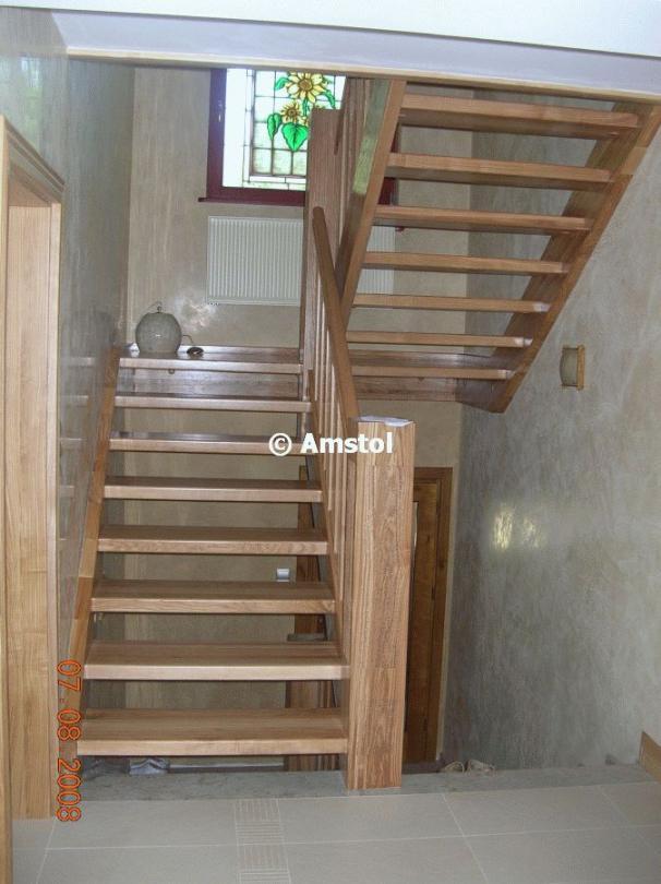 tischlerei amstol marek kozlowski angebot tischlerei die treppen aus massivholz treppen mit. Black Bedroom Furniture Sets. Home Design Ideas